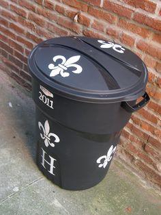 82 best trash cans decorated images painted trash cans paint rh pinterest com