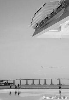 Museum of Tomorrow, Rio de Janeiro, Brazil    Um museu realmente muito lindo e incrível para fotografias.  Sempre lindo na foto, não importa o filtro.    A really very beautiful and amazing museum for photographs.  Always beautiful in the photo, no matter the filter.