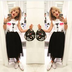 Dujour - BiancaCoimbra is wearing Converse Sneakers, Zara Skirt, Zara Blouse and Zara Bag