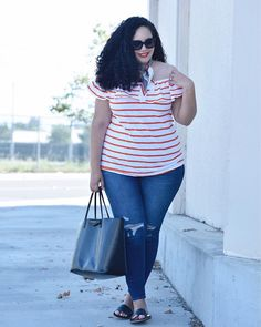 Girl With Curves - dark wash jeans outfit Curvy Outfits, Plus Size Outfits, Cool Outfits, Summer Outfits, Casual Outfits, Casual Wear, Look Plus Size, Plus Size Jeans, Plus Size Women