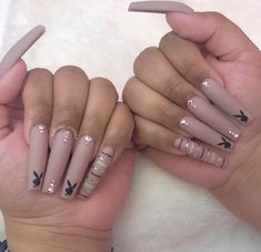 How to choose your fake nails? - My Nails Drip Nails, Aycrlic Nails, Glitter Nails, Edgy Nails, Grunge Nails, Summer Acrylic Nails, Best Acrylic Nails, Summer Nails, Vegas Nails