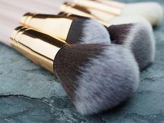 👑 • #MirageAustralia #MirageAustraliaBeauty #BeautyArtLife #beauty #art #life #photography #productphotography #texture #rosegold #slate #stone #charcoal #rosegoldandgrey #pinkandgrey #greyscale #australia #instagood #getitgirl #makeuptools #wakeupandmakeup #brushstory #brushgoals #powderbrush #foundationbrush #makeupbrush #makeupbrushset #olympusinspired #makeup #create Slate Stone, Art Life, Foundation Brush, Makeup Brush Set, Beauty Art, Makeup Tools, Life Photography, Charcoal, Australia