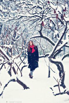 cette hiver bien envie de faire un shooting, ce ne sera pas facile car il faut à la fois la météo et un modèle motivé et disponible ...