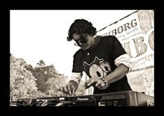 Felix, Produces melodic and uplifting Psytrance under Chill Om and is a young Indian Producer to watch out for ;)