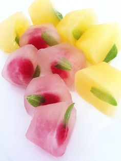 Ice rocks with fruit juice and mint.