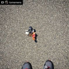 Great lost & found story!  #Repost @tomemens  This is a photo of my keys sitting safe and sound in the middle of the divider lane on Lewis Road. Their journey there must not have been too bad because not a single key is bent and the remotes have very little sign of falling from the car at high speed - which they most certainly did.  It all started on Wednesday morning when I accidentally left them on the roof of the van right before my wife drove off to work. I didn't have a chance to get a…