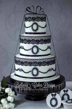 Romantic black and white vintage wedding cake