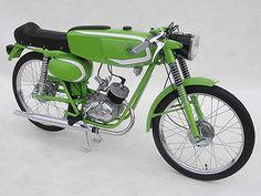 Stolte's Showroom | Showroom | De oldtimer bromfiets verzamelaars van Meppel e.o. Small Motorcycles, Vintage Motorcycles, Custom Motorcycles, Custom Bikes, 50cc Moped, Vintage Moped, Moto Bike, Old Bikes, Classic Bikes