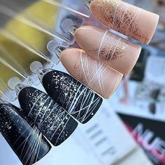 Many girls like spider gel nail art. There are 60 beautiful spider gel nail art designs collected here. Nude Nails, Acrylic Nails, Gel Nail Art Designs, Nagel Blog, Nagel Gel, Trendy Nails, Winter Nails, Diy Nails, Christmas Nails