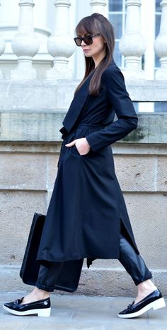Black Maxi Trench Outfit Idea