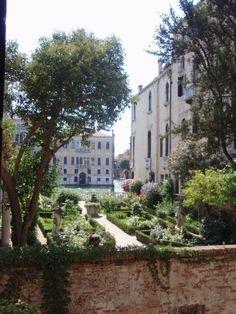 Secret garden in Venice
