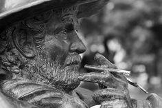 FOTO 7/365 Servandito, personaje popular de los años 60s, es inmortalizado en esta escultura, inaugurada el 2013. #Proyecto365 #project365 #Linares #Chile #Servandito