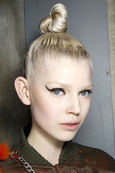 The Hottest Makeup Trends For Fall 2014 - Line Dance - Jean Paul Gaultier