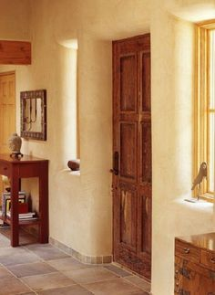 Earthy and warm, cob house interiors exude an incomparable charm. See brand-new homes built by regular folks and generations-old homes. Cob Building, Green Building, Building A House, Building Ideas, Cob House Interior, Home Interior Design, House Interiors, Build Your Dream Home, My Dream Home