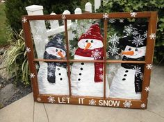 Top 30 Lovely and Cheap DIY Christmas Crafts Sure to Wow You, DIY and Crafts, Beautiful snowman window frame Noel Christmas, All Things Christmas, Christmas Ornaments, Diy Ornaments, White Christmas, Christmas Projects, Holiday Crafts, Christmas Ideas, Diy Christmas Frames