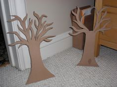 How to make a jewelry hanger. Alice In Wonderland Jewelry Tree - Step 3