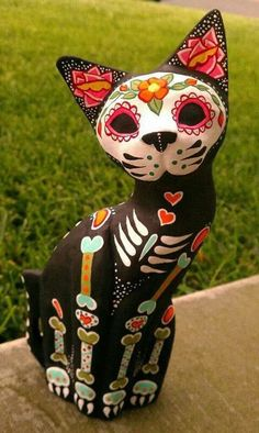 Dia de los Muertos Hand Carved wooden Cat - Painted to honor your pet. All my pets are alive and kicking, but this is such beautiful art work. Los Muertos Tattoo, Ciel Nocturne, Day Of The Dead Art, Wooden Cat, Mexican Folk Art, Samhain, Skull Art, Crazy Cat Lady, Oeuvre D'art