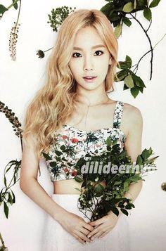 dilideerhyo @hover811 #taeyeon 151230 Girls' Generation Global Calendar part1