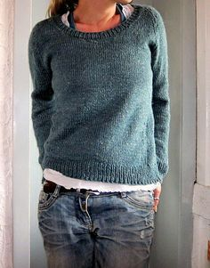 Ravelry: lilalu's sea breeze - Pattern: Beeline by Heidi Kirrmaier. Sweater Knitting Patterns, Knit Patterns, Hand Knitting, Looks Style, Looks Cool, Style Me, Ravelry, Poncho Pullover, Diy Kleidung