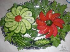 Breakfast tables are blooming flower ideas) - FOOD ART - Cucumber Flower, Fruits Decoration, Decorations, Deco Fruit, Veggie Art, Vegetable Salad, Vegetable Trays, Veggie Platters, Food Carving