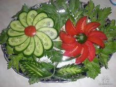 ЛУЧШИЕ ЛАЙФХАКИ! Как красиво нарезать огурцы и помидоры! Украшения тарелки! Много идей! - YouTube