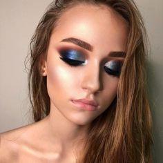 #EyeMakeupGlitter Eye Makeup Glitter, Smokey Eye Makeup Look, Blue Eye Makeup, Eye Makeup Tips, Eyeshadow Looks, Makeup Ideas, Hair Makeup, Makeup Hacks, Glitter Eyebrows