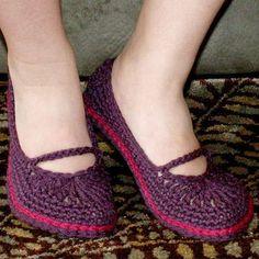 30 New Ideas For Crochet Shoes Adult Mary Janes Crochet Baby Cocoon, Crochet Baby Sandals, Crochet Shoes, Crochet Slippers, Crochet Shrug Pattern Free, Crochet Scarf Easy, Crochet For Beginners Blanket, Crochet Skirt Outfit, Crochet Jacket