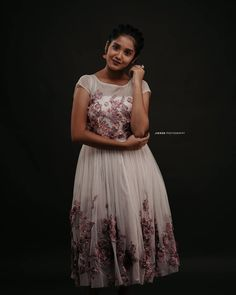 Anikha Surendran stunned her fans with her latest photoshoot Beautiful Girl Wallpaper, Beautiful Girl Image, Girl Photo Poses, Girl Photos, Hd Photos, Child Actresses, Indian Actresses, Girls Dance Costumes, Artists For Kids