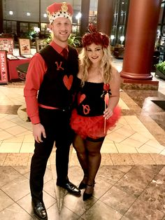 King and Queen of Hearts Halloween couple costume idea