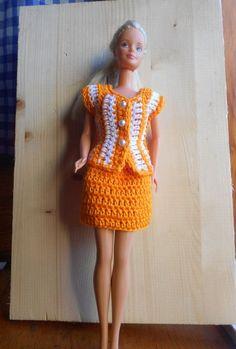 completo gonna e giacca all' uncinetto, moda per Barbie: