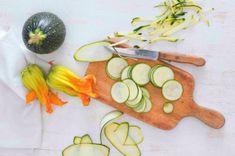 Italská cuketová polévka | Apetitonline.cz Ricotta, Watermelon, Treats, Fruit, Ethnic Recipes, Food, Sweet Like Candy, Goodies, Essen
