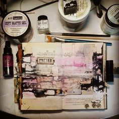 Ideas and inspiration for keeping a travel journal, art journaling, and scrapbook. Creative Journal, Art Journal Pages, Art Journals, Moleskine, Smash Book, Altered Books, Altered Art, Books Art, Art Basics