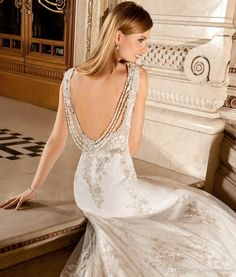 Wedding Dresses With Pearls On The Back