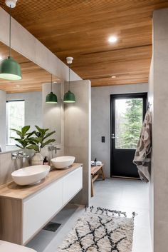 Modern Cabin Interior, Modern Scandinavian Interior, Natural Modern Interior, Log Home Bathrooms, Scandinavian Cabin, Summer House Interiors, Sauna House, Bathroom Interior Design, Log Homes