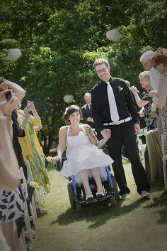 How to find a wheelchair-friendly wedding dress