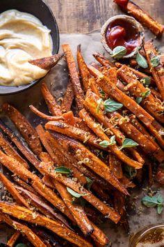 Homemade Sweet Potato Fries, Sweet Potato Skins, Sweet Potato Casserole, Sweet Potato Recipes, Potato Ideas, Bourbon Sweet Potatoes, Roasted Sweet Potatoes, Vegetable Dishes, Vegetable Recipes