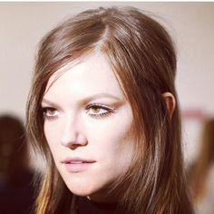 Kasia Struss au défilé Gucci automne-hiver 2014-2015 http://www.vogue.fr/mode/mannequins/diaporama/la-semaine-des-tops-sur-instagram-18/17696/image/964743#!kasia-struss-gucci
