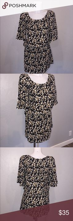 Juicy Couture Silk Dress/Top size 2 This is a practically new Juicy Couture Top or Dress whatever you want to make it. 💯% Silk. You will love it. Size 2 Juicy Couture Dresses