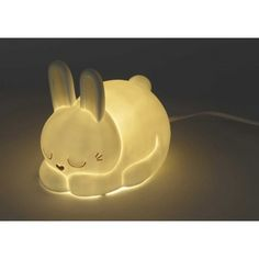 Lindo conejito en forma de lámpara. A los más peques de la casa les encantará