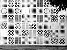 Cobogó, É bem nacional, pois foi criado em Recife em 1929 por três engenheiros que deram seus nomes a peça. COimbra, BOeckmann e GOis.
