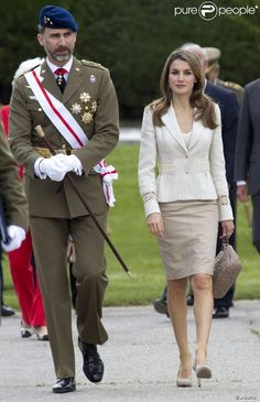 Crown Prince Felipe and Crown Princess Letizia attended the Royal Guards Flag ceremony at the El Pardo Palace in Madrid.