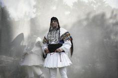 22 καταπληκτικές φωτογραφίες Κωδωνοφόρων της Α. Μακεδονίας -  ΜΕΓΑΛΕΣ ΕΙΚΟΝΕΣ - Lightbox - LiFO
