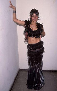 "50 Gorgeous Photos Show Fashion Styles of Lisa ""Left Eye"" Lopes ~ Vintage Everyday"