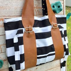 """Re-pin for later. Shore bag and purse by Tiny Seamstress Designs. Two inside pockets, one outside pocket, magnetic snap closure and ties expand or shrink bag up to 4""""!"""