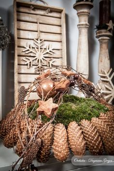 weihnachten kranz Please visit our website for more information Christmas Christmas World, Christmas Love, Rustic Christmas, Christmas Holidays, Christmas Wreaths, Christmas Crafts, Christmas Ornaments, Diy Christmas Decorations For Home, Christmas Centerpieces