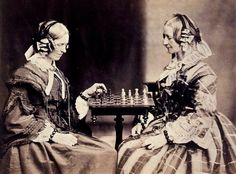 "Charles Lutwidge Dodgson (aka Lewis Carroll) - ""Henrietta and Margaret Lutwidge playing chess"" (las tias del escritor y fotógrafo) - 1859"