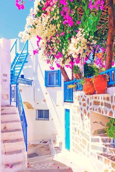 📍 Santorini, Greece 🌸 Photo via Easy Planet Travel Oh The Places You'll Go, Places To Travel, Travel Destinations, Greece Destinations, Amazing Destinations, Travel Tourism, Travel Agency, Dream Vacations, Vacation Spots