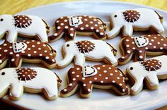 elephants - would love to do these in crimson & white for a gamed day - Roll Tide!