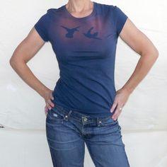 Two Birds Tshirt  met bleekmiddel en een sjabloon