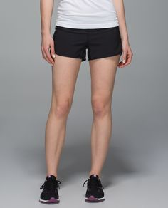 We made these shorts with reflective details to help keep us  cool and visible when we're pounding the pavement. The soft Light Luxtreme® fabric waistband has a continuous drawcord that's easy to cinch mid-stride so we can streak past our personal records. Andalé!